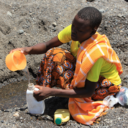 Digging for drinking water (Marisol Grandon/Department for International Development)