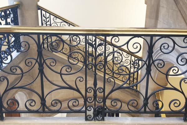 staircase railings